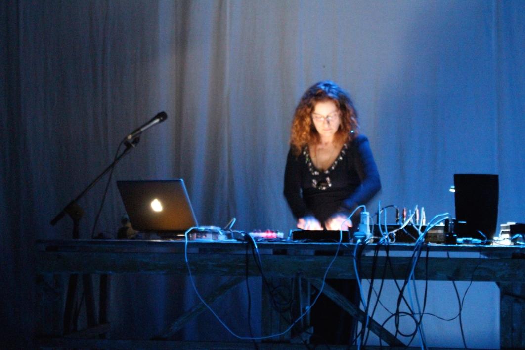 Patrizia Mattioli alle tastiere